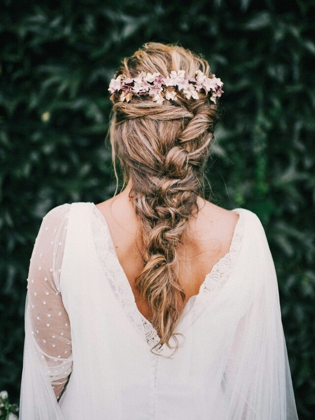 "Bridal hair style<p><a href=""http://www.homeinteriordesign.org/2018/02/short-guide-to-interior-decoration.html"">Short guide to interior decoration</a></p>"