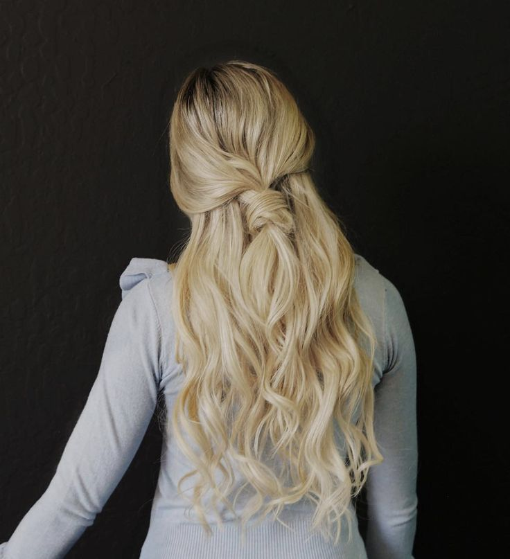 "Amber Fillerup, Barefoot Blonde Hair ""The Knot"" hair tutorial."