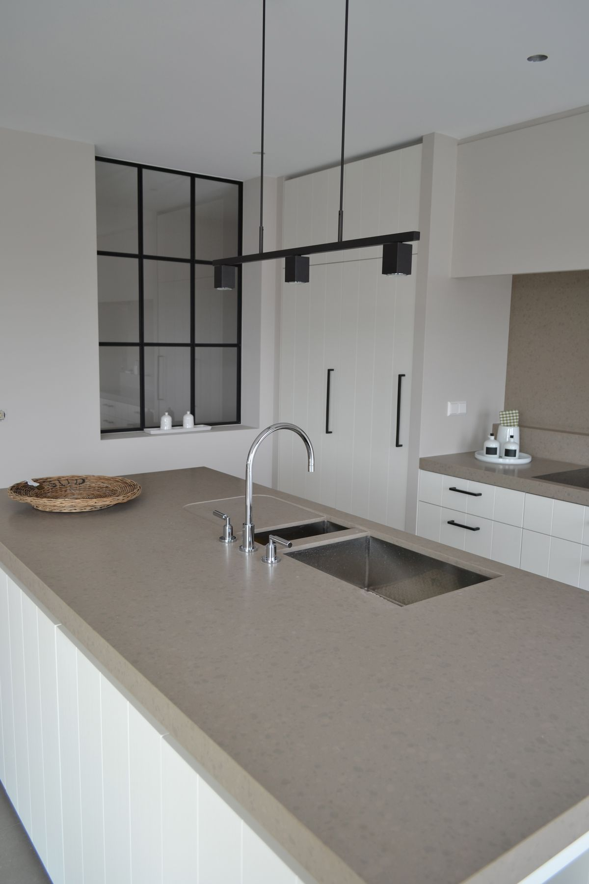 ber ideen zu betonb den auf pinterest betonb den malerei fu b den und farbbeton. Black Bedroom Furniture Sets. Home Design Ideas