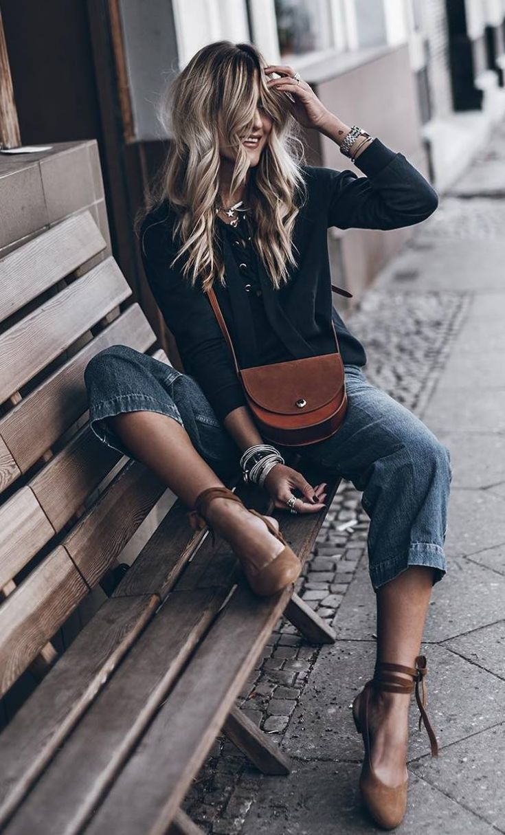 how to wear a black lace-up top : brown bag + boyfriend jeans + espadrilles