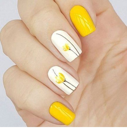 Sweet yellow nails with flowers
