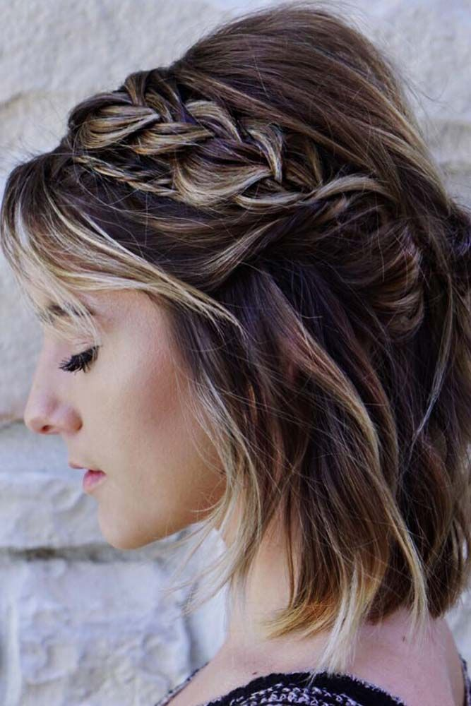 Beautiful Bob With Side Braid #hairhighlights #braidedhair ★ Cute and easy shoulder length hairstyles for thin and for thick hair can be found here. These styles can work for adult women and for teens. #glaminati #lifestyle #shoulderlengthhairstyles