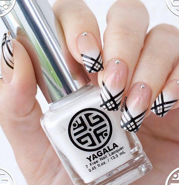 – 40 Geometric Nail Art Ideas