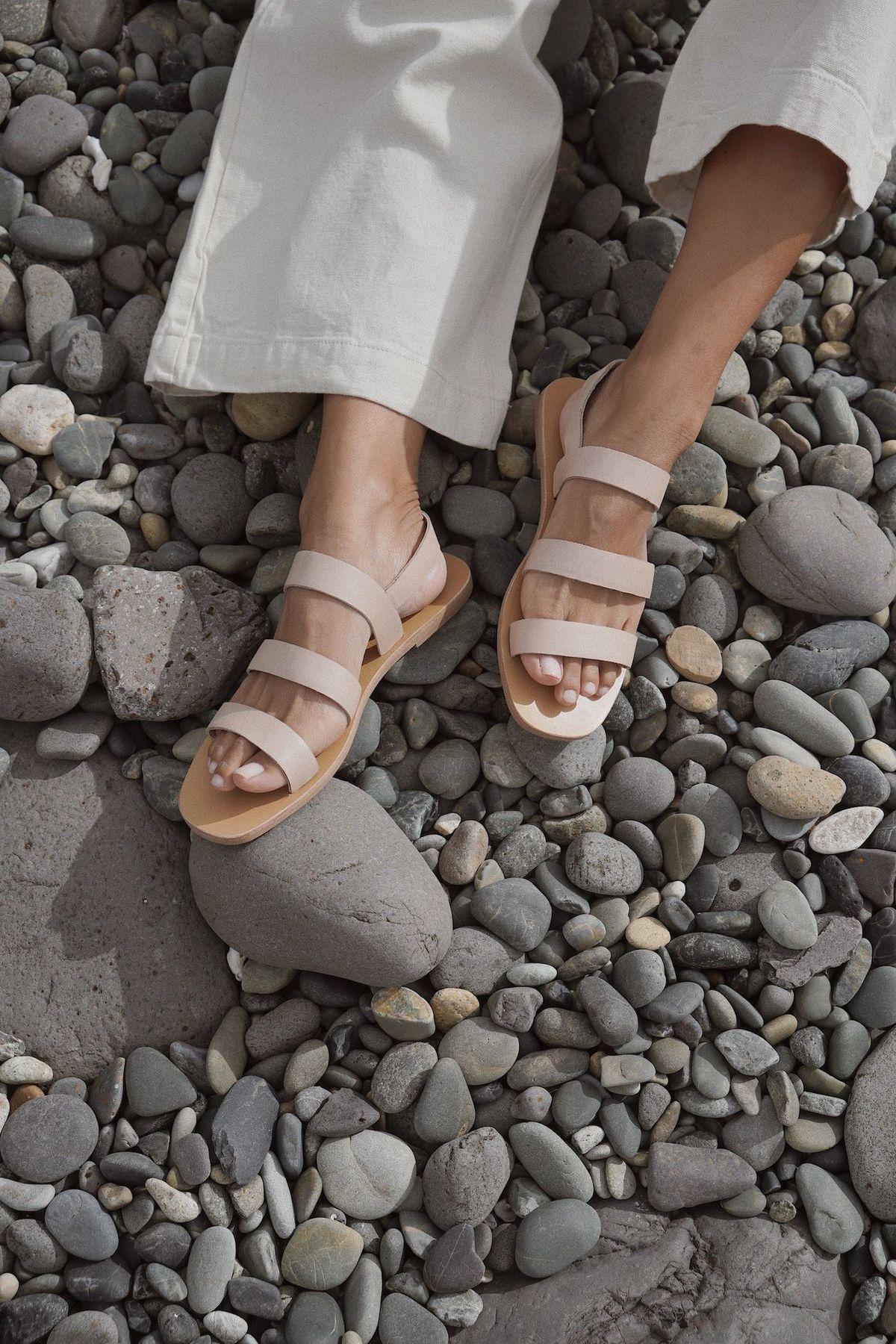 Perfect Minimal Summer Sandals - Erika Sandal - Seashell
