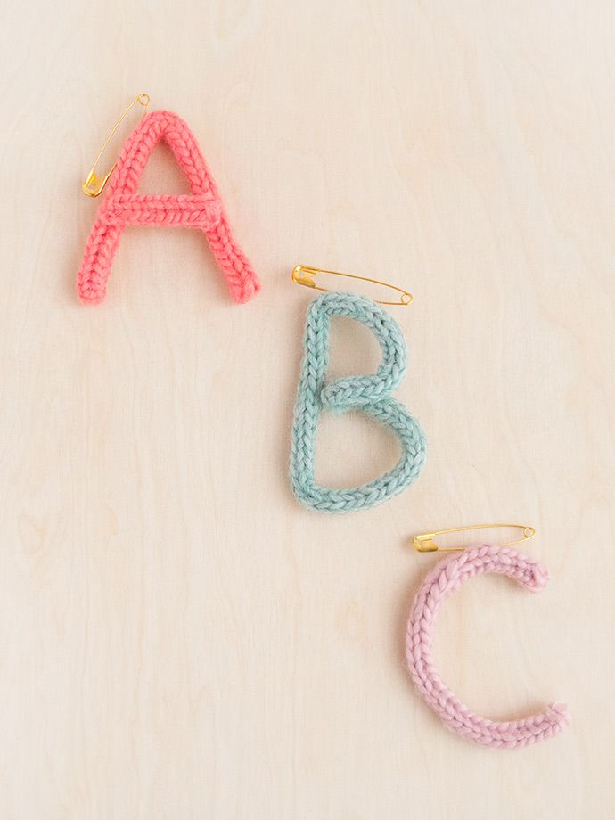 French Knit Monogram Brooch ⋆ Handmade Charlotte