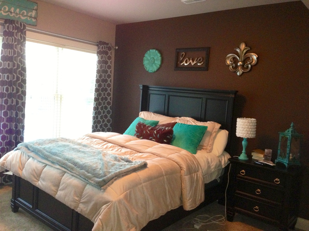 how to decorate your bedroom with brown accent wall home teal brown bedding for the home bedding 107