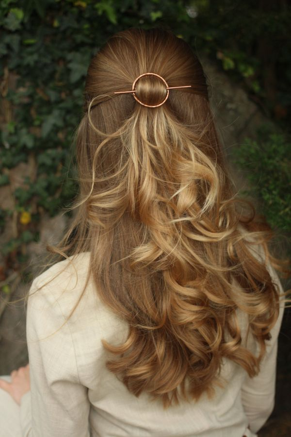"Available in brass, German silver, copper, or rustic copper, this beautifully simple hand-hammered hair barrette is a match made in heaven for the minimalist bride.<p><a href=""http://www.homeinteriordesign.org/2018/02/short-guide-to-interior-decoration.html"">Short guide to interior decoration</a></p>"