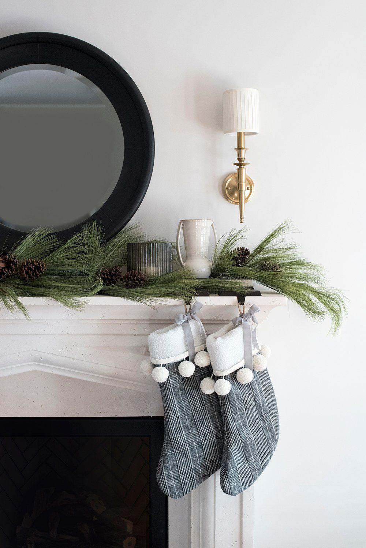 My 2019 Holiday Decor - roomfortuesday.com