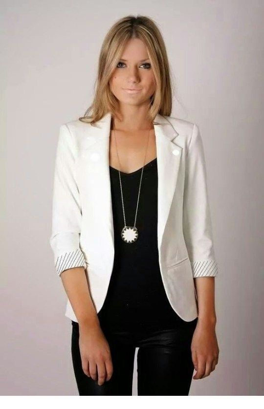 Nice black and white look with a necklace