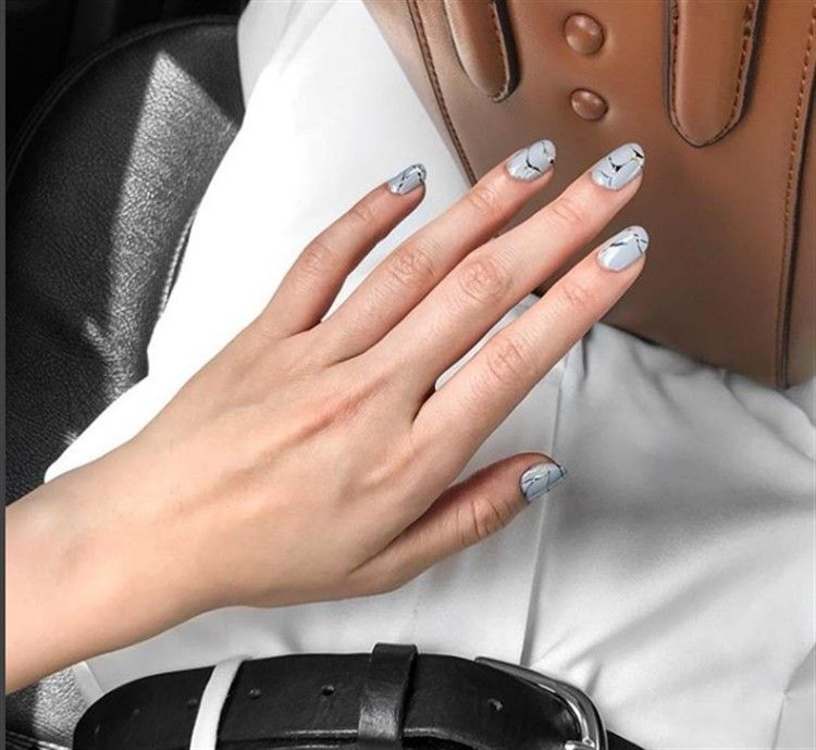 100+ Chic And Modern Nail Art Designs Ideas – Fashonails