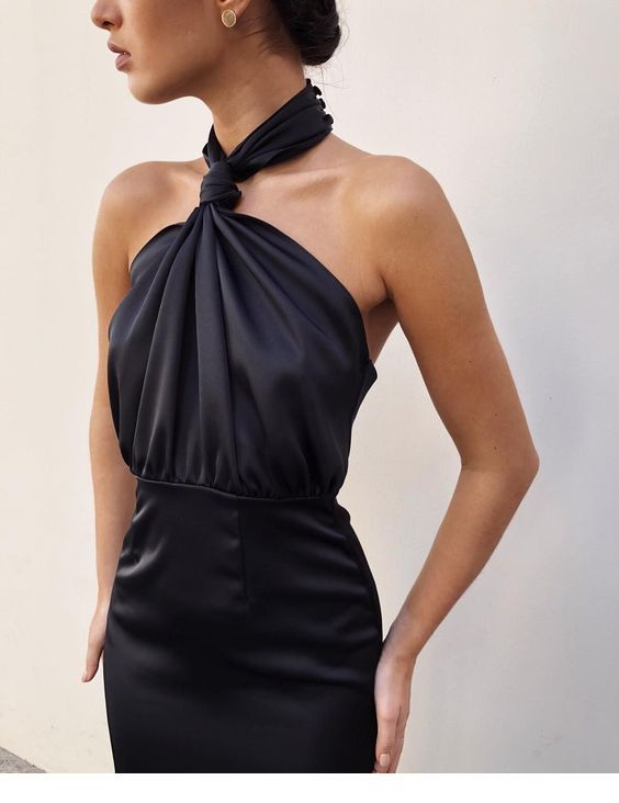 Awesome black dress with a cute design