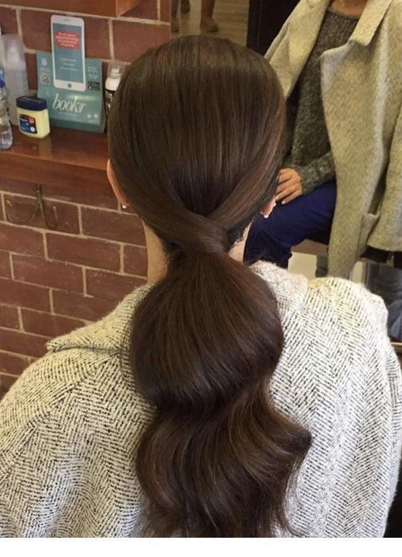 Another type of low ponytail with curls