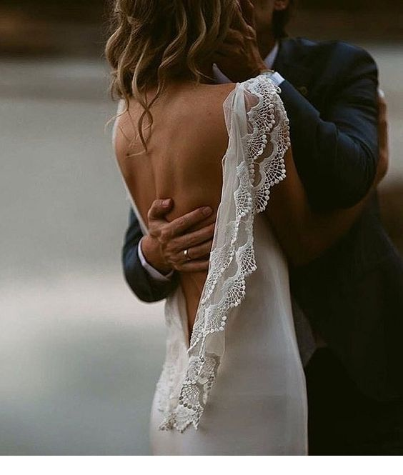 I love the lace details of this wedding dress