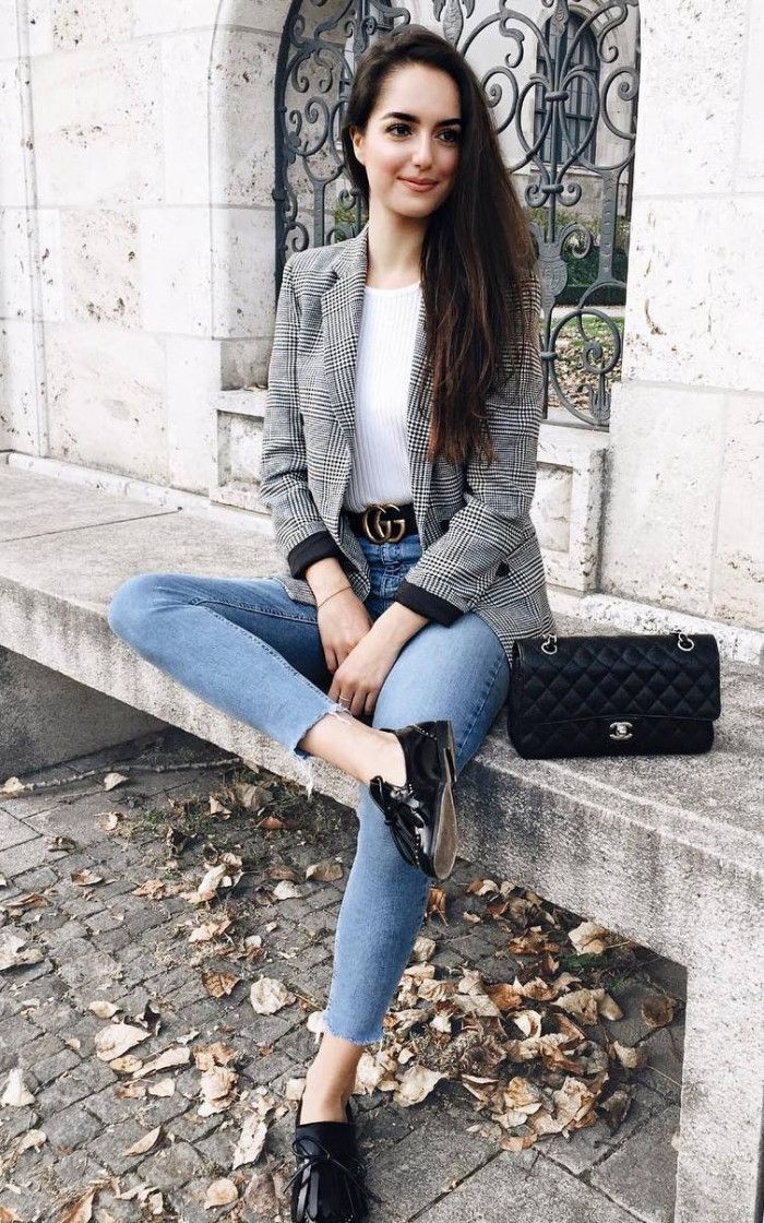 what to wear with a pair of skinny jeans : plaid blazer white top loafers bag
