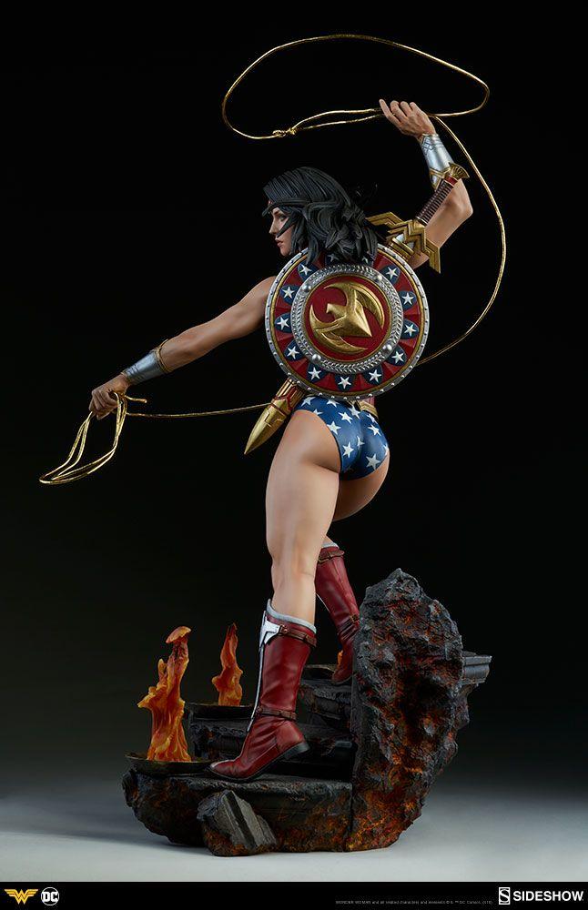 DC Comics Wonder Woman Statue by Sideshow - The Toyark - News