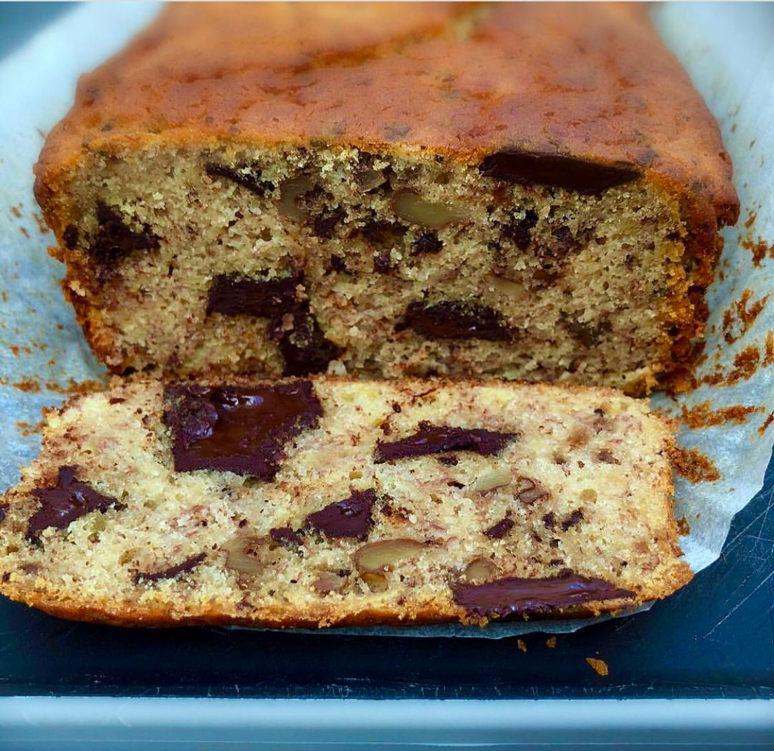 GIuten Free Banana Bread:  am a woman of my word, and I promised a gluten-free banana bread. Here, finally, it is. I took my time with it, because I wanted to get it right. I'm not interested in anything that is 'good for gluten-free': it has to offer universal delight.