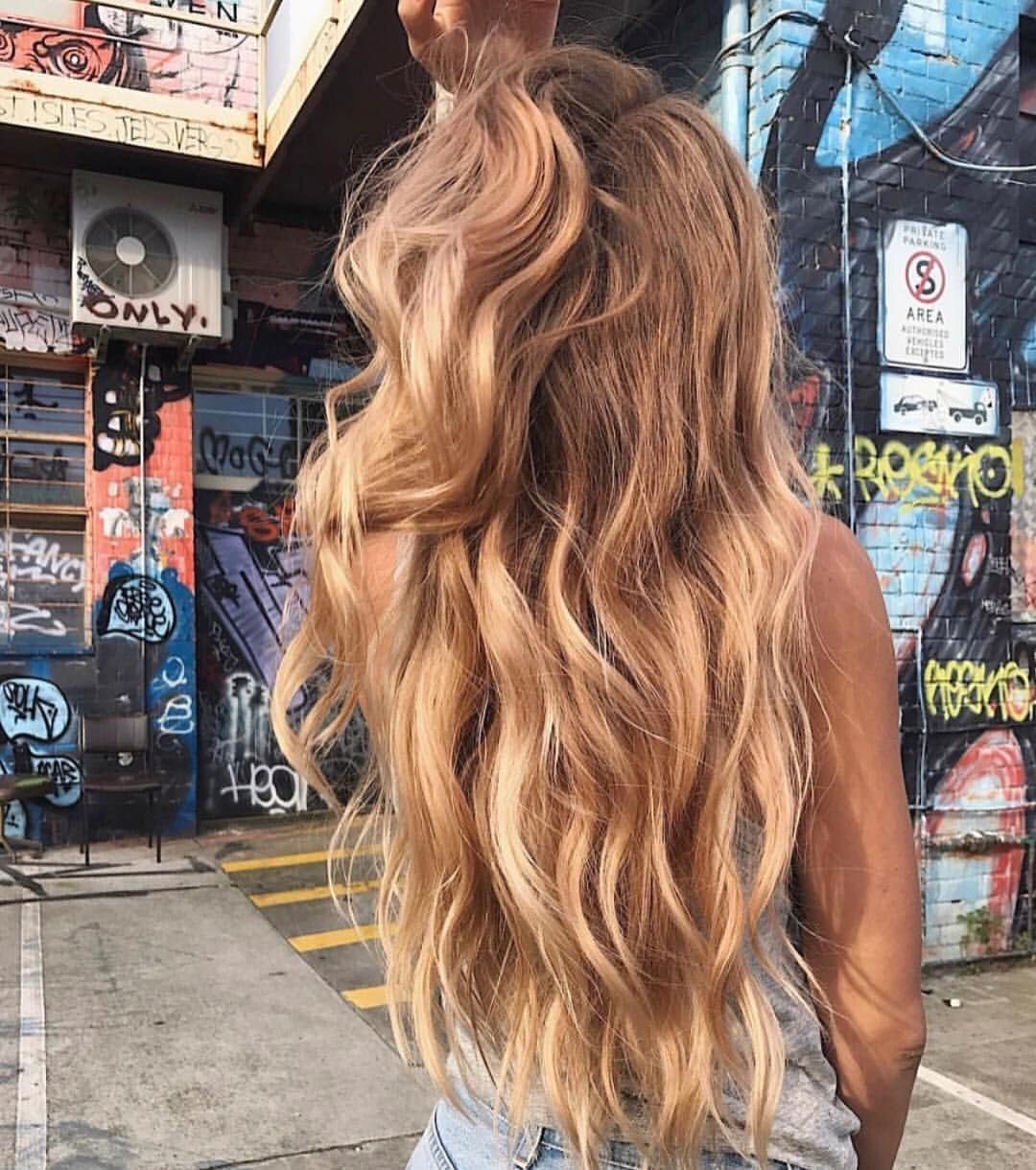 Great hair doesn't happen by chance. It happens by appointment 👌✨ • via @headstudio • #besthairever #hairgasm #glamhair #mermaidhair