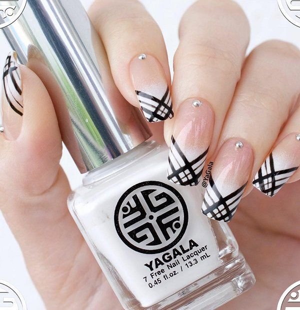 Black lines can greatly refresh the classic French manicure. Source The whole world of fashion, and so does the manicure world is full of very beautiful, original and creative solutions for building your own style. There is a lot of… Continue Reading →