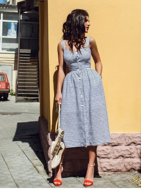 Sweet retro dress with sandals