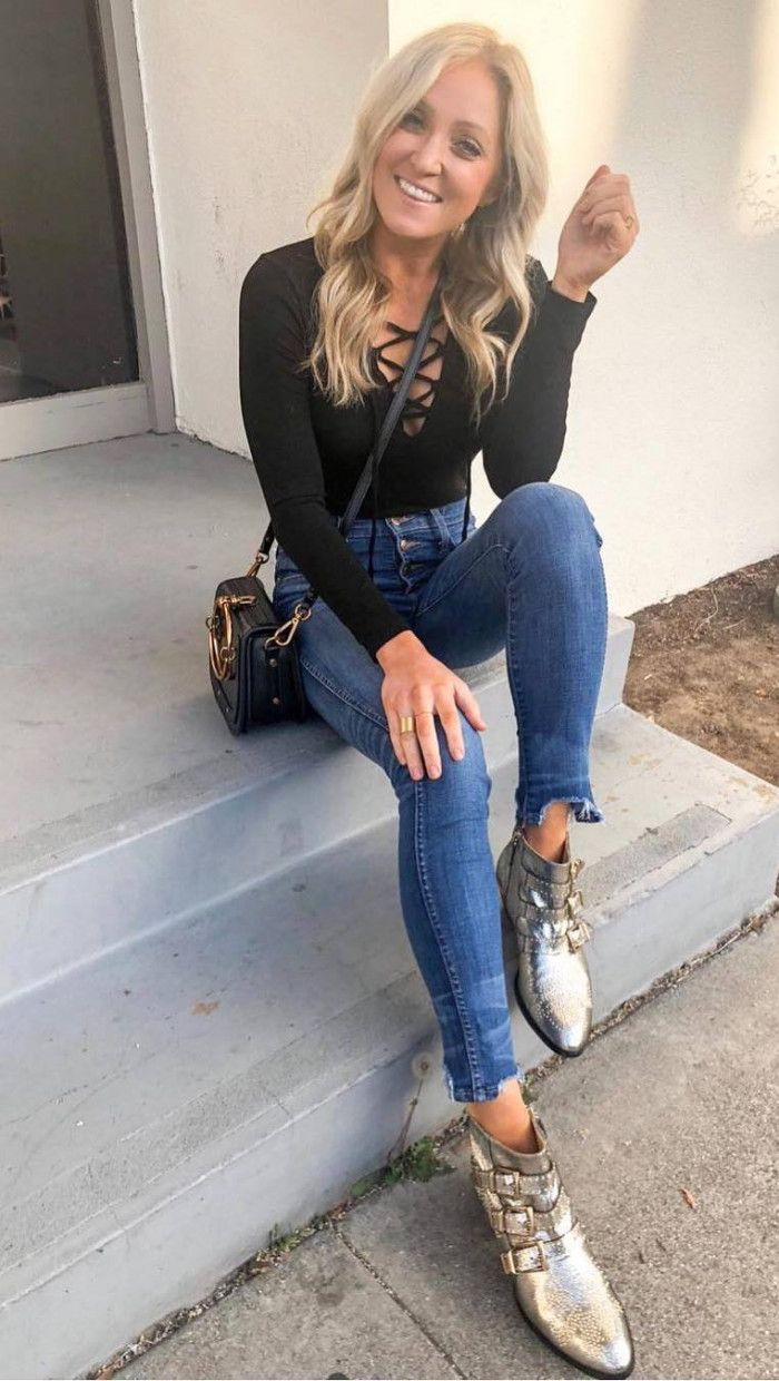 what to wear with silver boots : lace up top bag skinny jeans