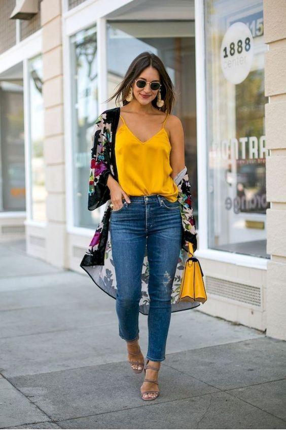 I like the yellow top and bag