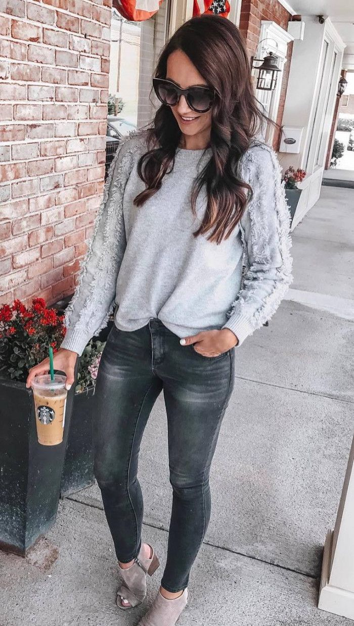 best outfit idea for this fall : sweater bag skinny jeans boots