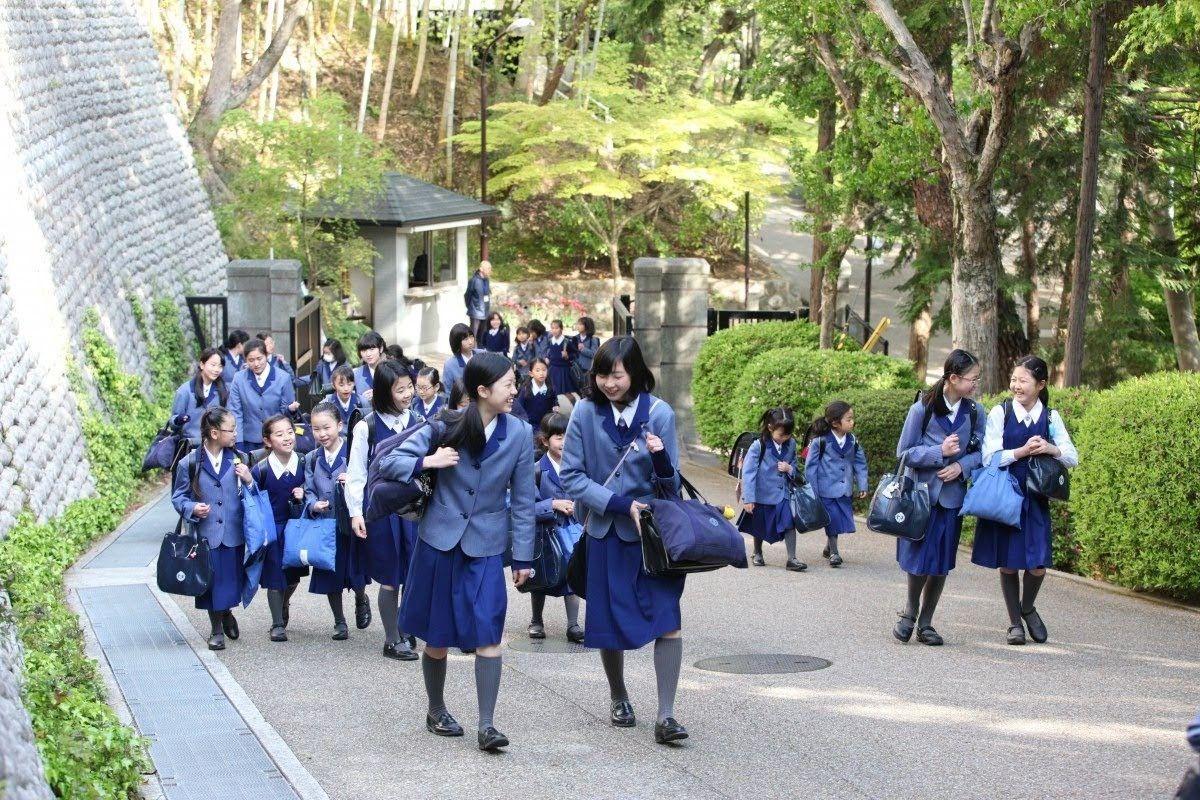 小林聖心女子学院 | ゆめかわいい ファッション, かわいい ...