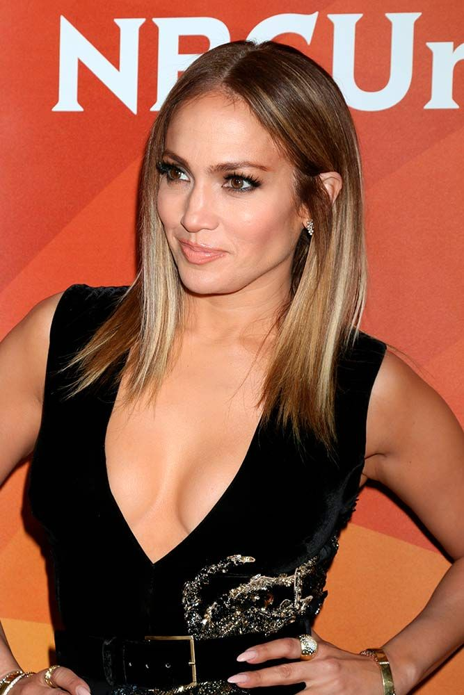 Straight Brown Hair With Blonde Balayage #straighthair #jenniferlopez ★ Light and dark brown hair with highlights and lowlights looks spectacular. Discover trendy color ideas for short and long hairstyles. #glaminati #lifestyle