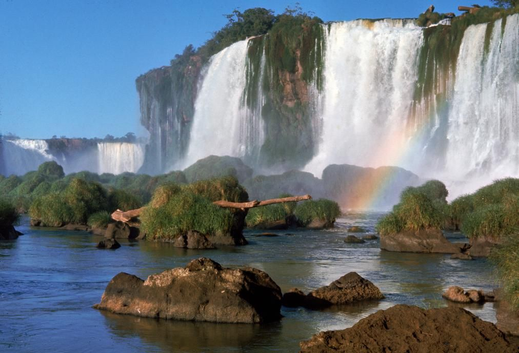 Can You Recognize These Famous Natural Wonders?