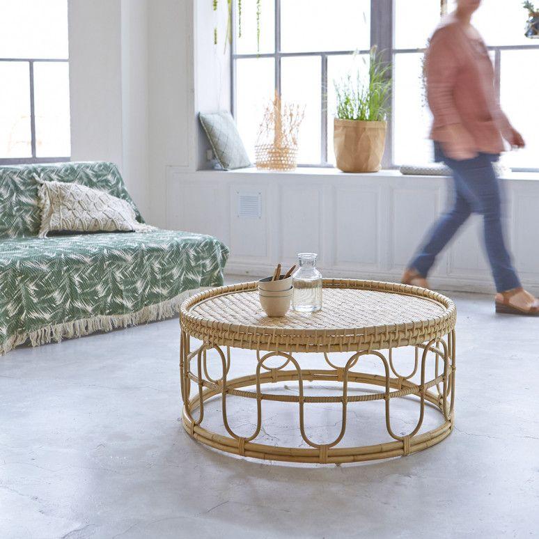 Table basse ronde : 10 modèles pour dynamiser votre salon
