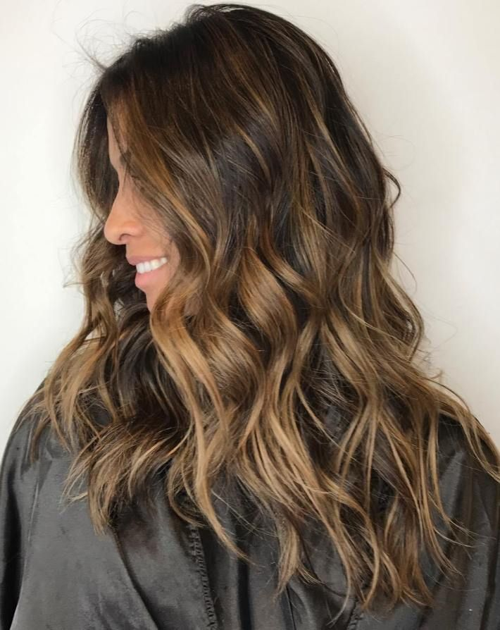 """Long Messy Hairstyle With Caramel Highlights<p><a href=""""http://www.homeinteriordesign.org/2018/02/short-guide-to-interior-decoration.html"""">Short guide to interior decoration</a></p>"""