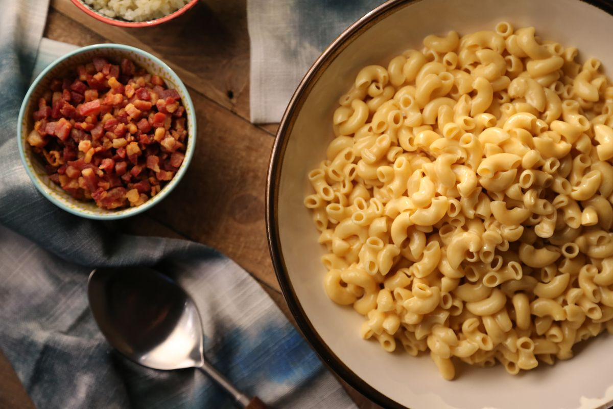 Class of the Day: Valerie Bertinelli's Stovetop Mac and Cheese with Five Stir-In Ideas