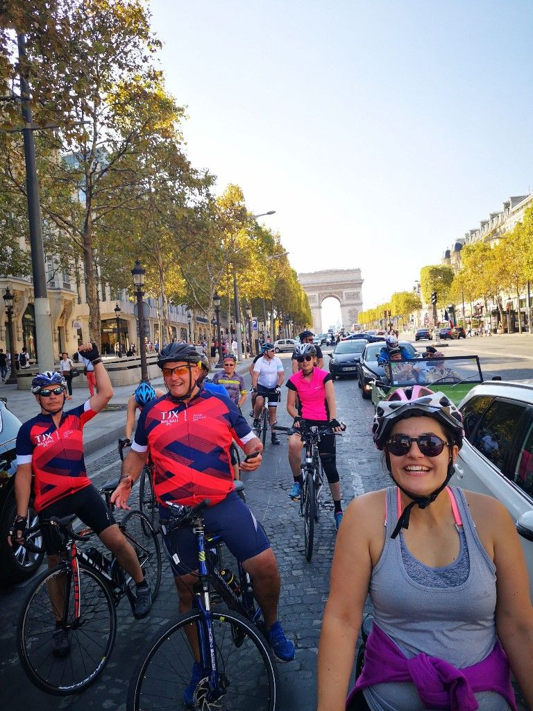 Cycling Down The Champs Elysees Champs Elysees Bike Ride Champs