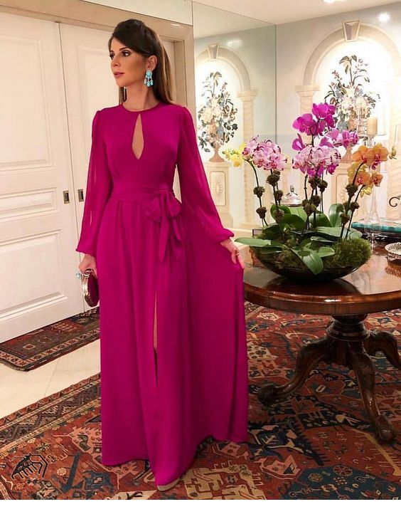 Glam pink long dress with blue earrings
