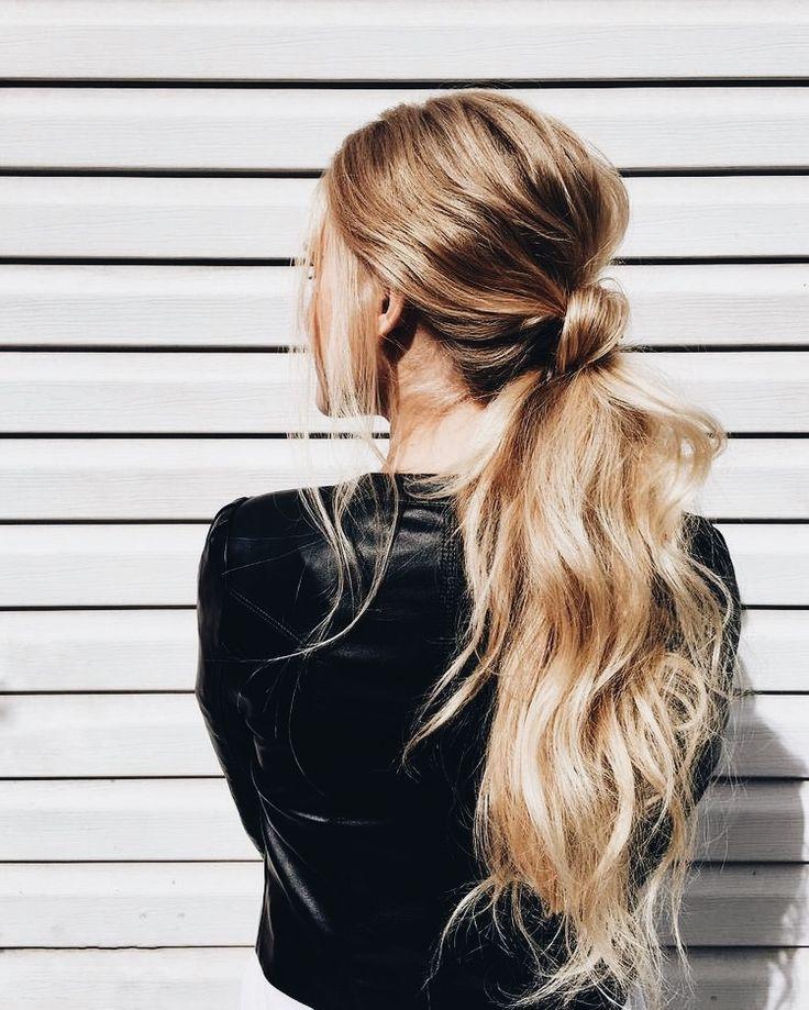 Beach wave ponytail #hairstyle #styleblogger