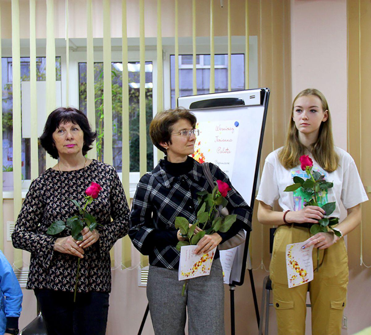 Елена Шевальская, Татьяна Лебединская и Мария Артемова. Фото Жени Шведы