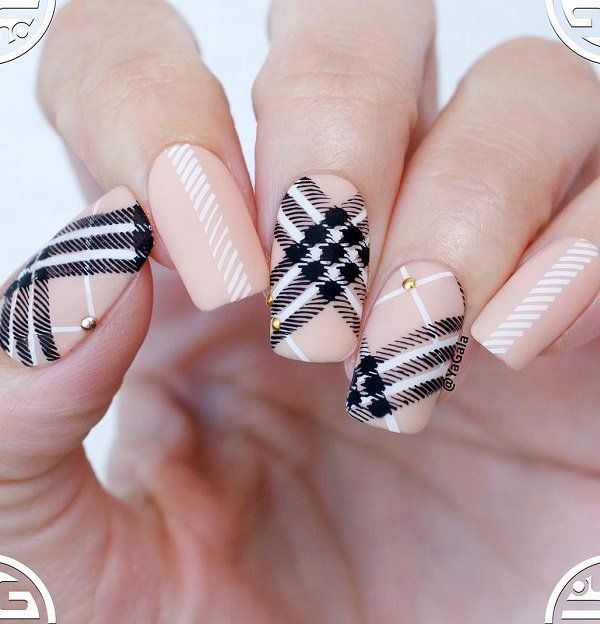 – 40 Nude Color Nail Art Ideas