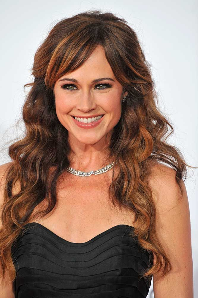 Copper Highlights For Long Wavy Hair #copperhighlightshair #nikkideloach ★ Light and dark brown hair with highlights and lowlights looks spectacular. Discover trendy color ideas for short and long hairstyles. #glaminati #lifestyle