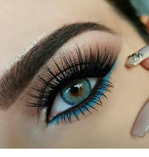 Glam blue detail for blue eyes