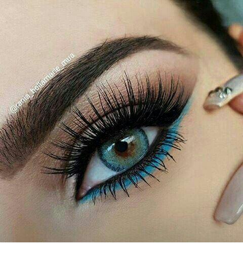 Glam blue detail for blue eyes