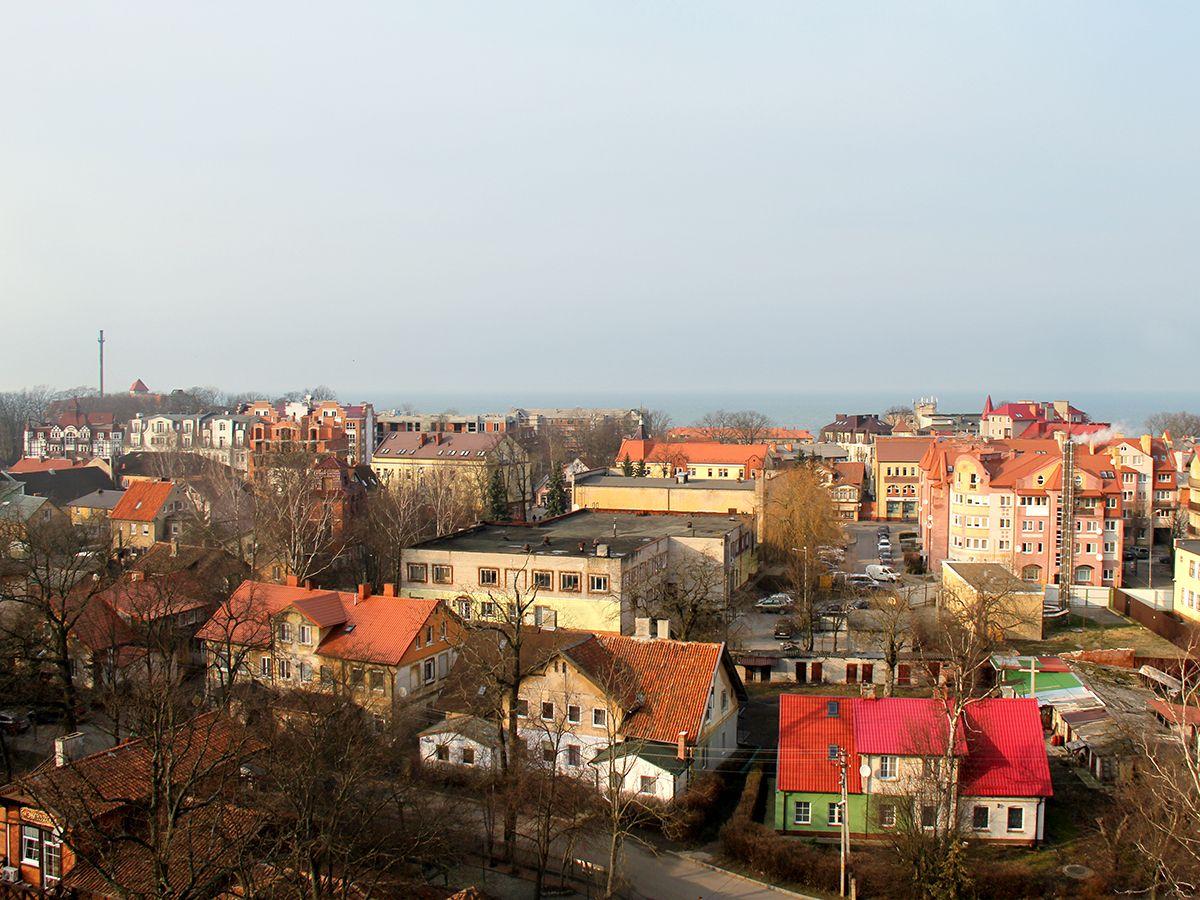Вид на Зеленоградск и Балтийское море со смотровой площадки водонапорной башни. Фото: Evgenia Shveda