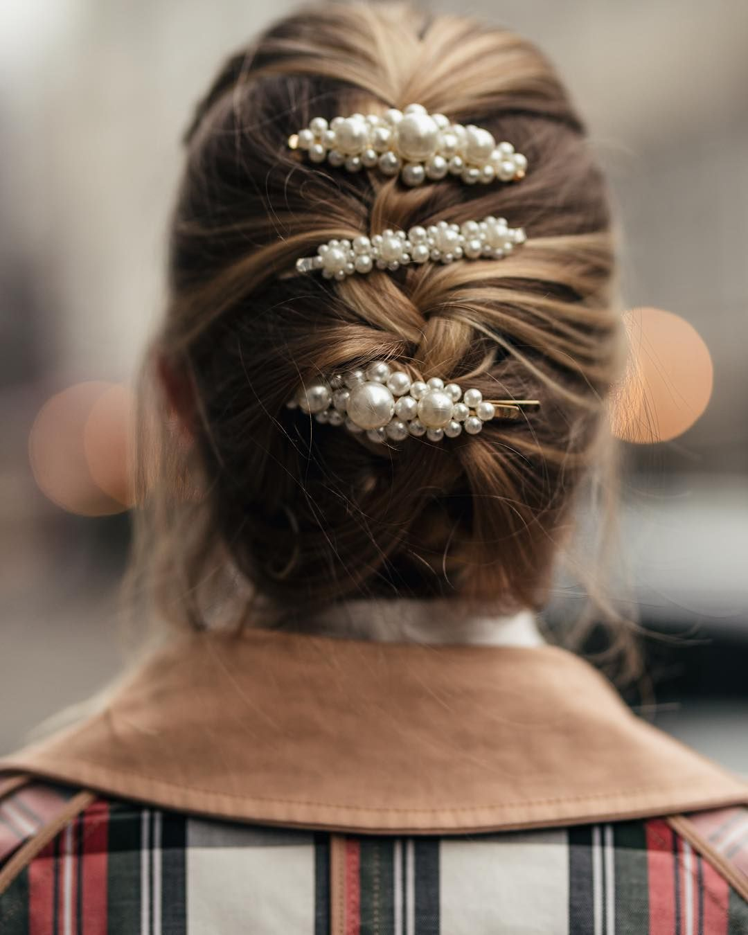 Hair slides are one of the biggest trends this season and if you are one of those people who doesn't want to experiment with different hair colours or lengths this trend is perfect for you.