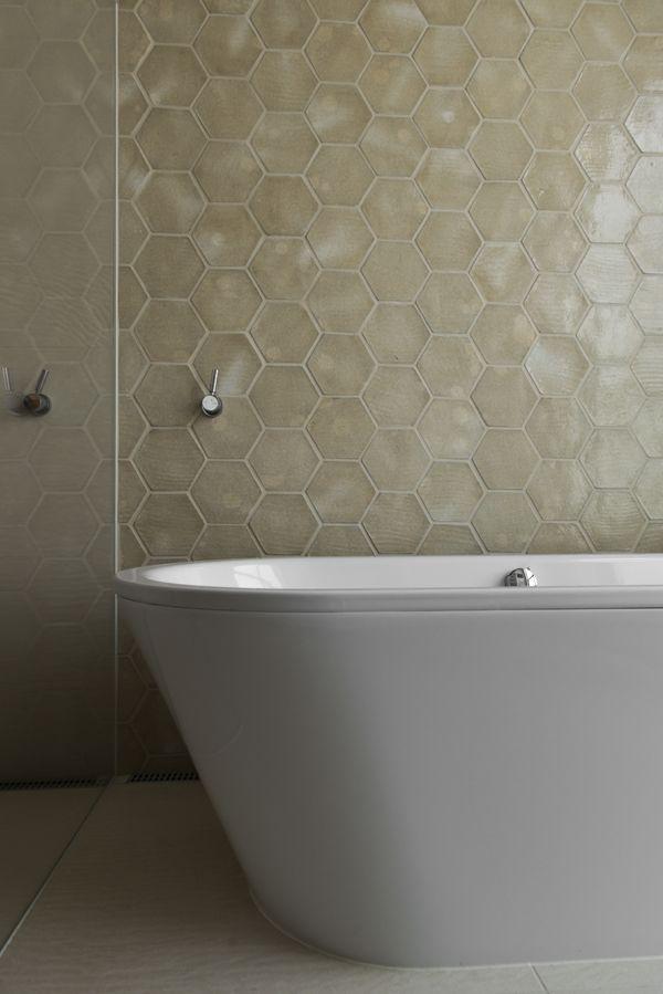 Honeycomb tiles in bathroom//