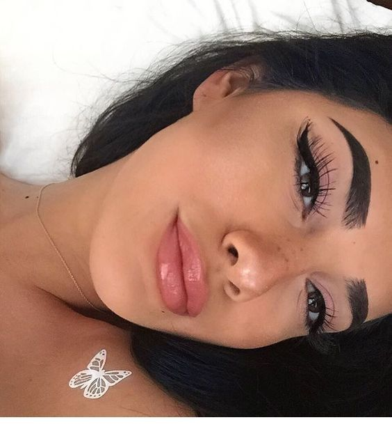 Beautiful makeup for this week