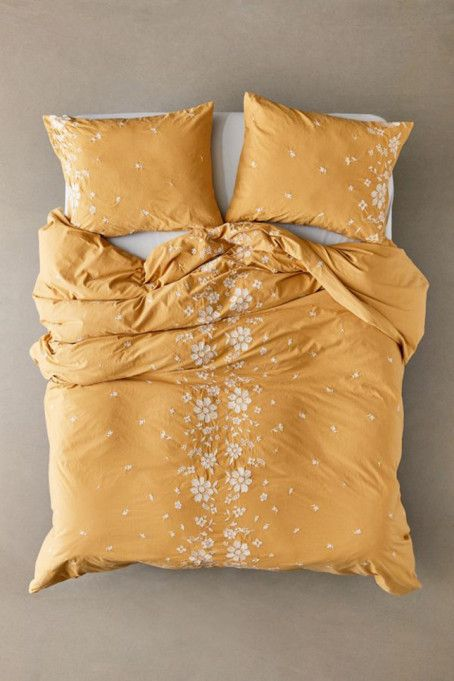 Gorgeous Bedding Ideas: Embroidered Floral Duvet #bedding #decor #home #duvets #covers