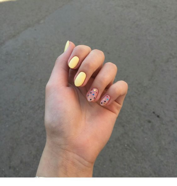 Cute yellow and pink nails