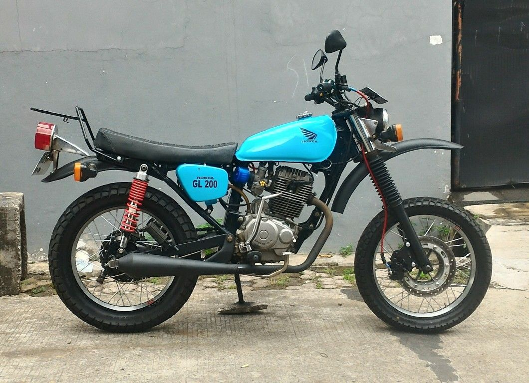 Illustrasi Sosok Honda CB1000SF Apakah Ini CB1000R
