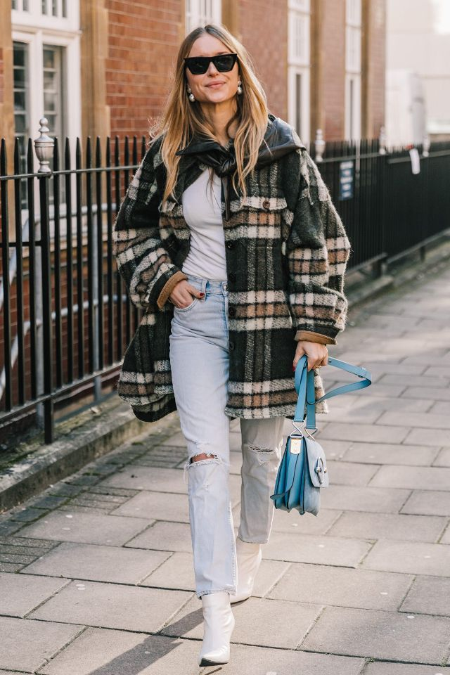 Light Wash Jean Outfits - Pernille Teisbaek