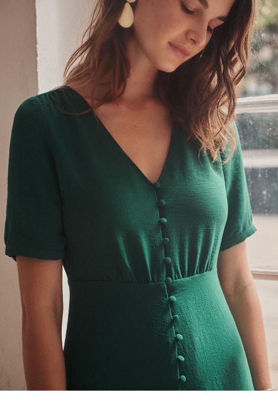 Chic green dress design