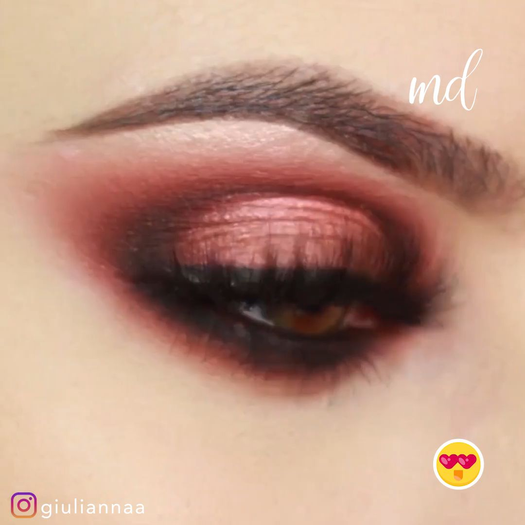 Eye makeup – my favorite part of the makeup look!